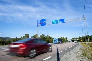 E4-korsningen i Överhörnäs är både besvärlig och olycksdrabbad.