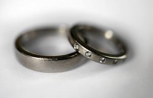 Barnäktenskap är förbjudet i Sverige. Hur klarar socialtjänsten av tillämpningen?