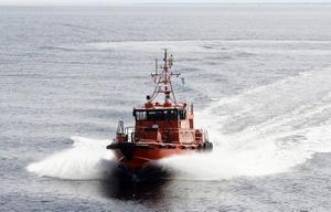 Lotsbåten Bönan på väg ut på uppdrag.