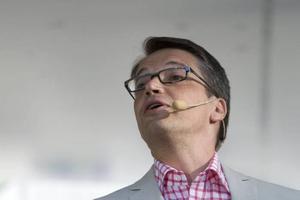 Socialminister Göran Hägglund, KD, vill ändra lagen för att höja patientsäkerheten...