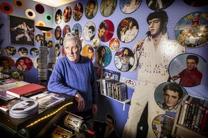 Om Elvis fortfarande levt skulle han i torsdags ha fyllt 80 år. Det är något som samlaren Håkan Göranzon firade genom att korka upp en flaska Elvis-vin.