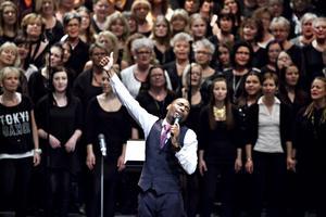 Konsertens stjärna. Solisten Cinque Cullar från Chicago - ungefär så mycket gospel man kan bli.