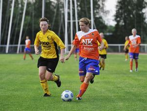Amanda Bärj, som senast spelade med Bollnäs, är en av tre spelare som bestämt sig för att knyta på sig fotbollsskorna igen.