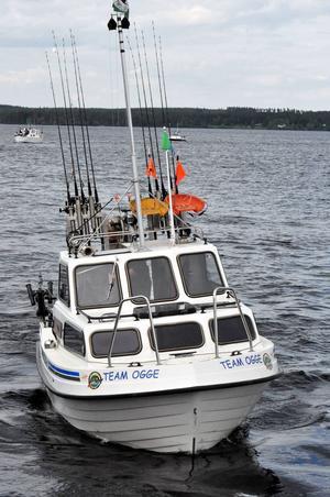 Under lördagseftermiddagen kom alla båtar i hamn efter den sista tävlingen. Många hade samlats nere i hamnen för att ta emot dem. Totalt deltog 51 team i tävlingen.