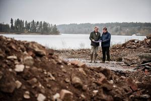 Boris Hagelin (till höger) planerar bygga Femtio nya villor i Sundsvik. Här tillsammans med Lars Flyning i ett annat projekt.