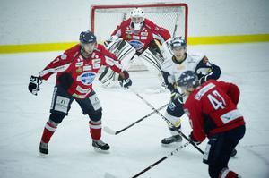 Anders Johnson var stabil som sista utpost när Ö-vik på onsdagen visade att Sundsvall Hockey på intet sätt är oslagbart.