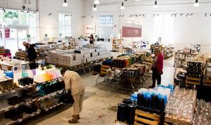Iittala Outlet har även produkter från Fiskars, Rörstrand och Arabia.