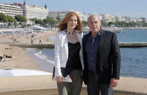 Rachelle LeFevre och Dean Norris spelar i serien