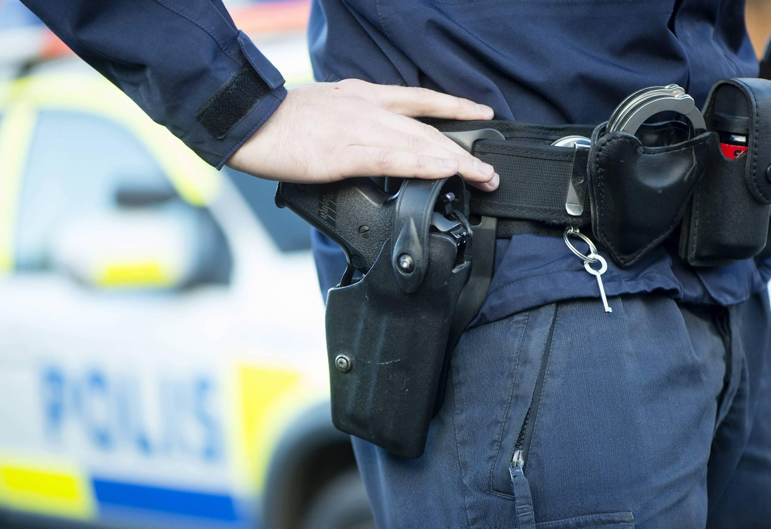 Tog polisens vapen vid forhor