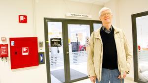 """Gunnar Jönsson, patient vid Avesta vårdcentral, vill fundera på hur det blir när han inte ska vända sig till akutmottagningen: """"Jag vill nog ringa till akuten först och höra vad de säger att jag ska gå"""", säger han."""