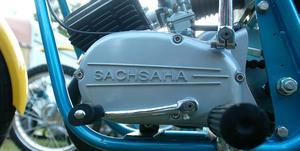 Hybridmotorn med delar från både Sachs och Yamaha har till och med fått en specialdesignad transmissionskåpa. Tjusigt!