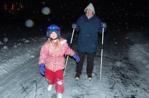 Första gången. Anne Pers och Linnea Isaksson från Tullinge var med på månskensturen för första gången.