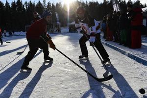 Det blev succé för premiärupplagan för av Höga Kusten Pond Hockey Tournament.