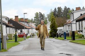"""Ollonborrstigen. I det som kallades """"Negerbyn"""". I ett av husen vid denna gata bodde Rune Johansson med familj i tio år. Rune minns med välbehag tiden i dessa villakvarter med det ovanliga öknamnet."""