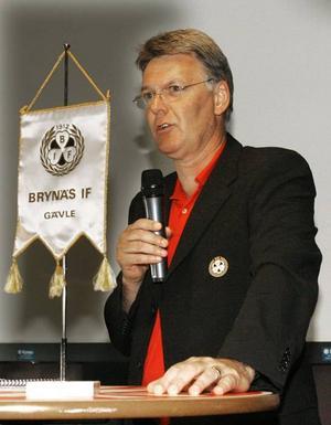 Christer Sundin tackade för förtroendet som Brynäs medlemmar gett honom. Foto: Stefan Tkatjenko
