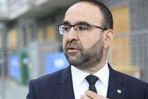 Mehmet Kaplan (MP) och regeringen satsar på bredband.