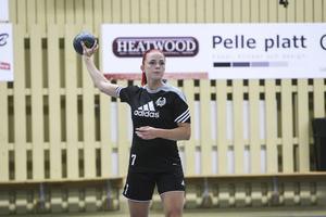 Den tidigare Ala IF och Strandspelaren Linnéa Elfström Schederin är ett av Spårvägens nyförvärv inför säsongen.