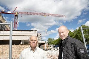 Lars Tobé, projektsamordnare och Jonas Östblom, ansvarig för försäljningen av bostadsrätterna.