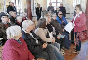 Guiden Inger Backlin berättar historien om munkarna vid Gudsberga kloster.