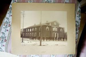 Hur kyrkan såg ut på 1800-talet. På den tiden var Valbo rikt och Gävle låg i Valbo.
