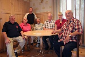 Det är en blandning av gammalt och nytt på Posk-listan i kyrkovalet. Från vänster Claes-Göran Eckert, Britt-Marie Wesström, Peter Ahlström, Solveig Nilsson, Olle Andersson, Anna Lindgren och Lennart Eng.