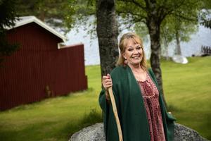 1985 köpte Anna Wahlgren en liten stuga i Gastsjön för 40 000 kronor. I dag, 30 år senare, består ägorna av nio byggnader och ett antal hektar skog och mark. Nu ska allt säljas.