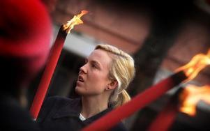 Johanna Stjärnfeldt, från föreningen Ung Cancer, var i Borlänge på lördagen och var en av ljusmanifestationens talare i Liljekvistska parken. Foto: Staffan Björklund