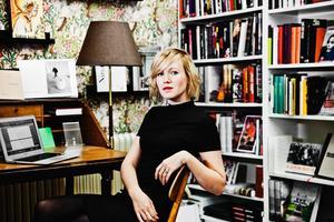 Författaren Ester Roxberg föreläser på Gävle stadsbibliotek 11 oktober.
