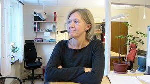 Lena Hellgren, Östersund berättar om skräckupplevelsen som det innebar då isen brast under henne i samband med en skridskotur på Klövsjön.