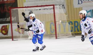 Juho Liukkonen har en ny roll som defensiv mittfältare i IFK Vänersborg.