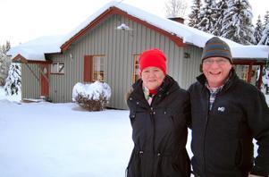 Helene och Lennart Jonsson ångrar inte att de flyttade från Frösön och slog sig ner i Näset, Ragunda.Foto: Ingvar Ericsson