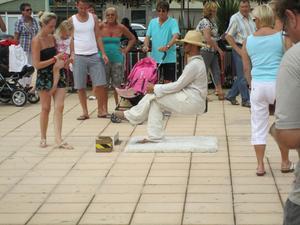 Här kan man snacka om balanssinne, sett på Grand Canaria V39, Playa Inglés.