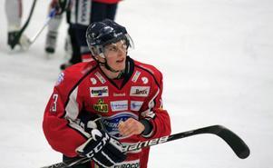 Örnsköldsvik Hockeys Axel Rödström satte 4–2 i derbyt mot Sollefteå. Foto: JON HÄGGQVIST/ARKIV
