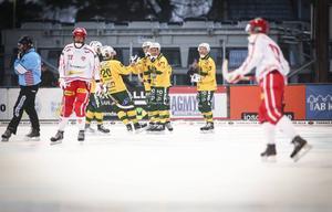 Misha Svechnikov och Ljusdal hade en rätt skön annandag och vann mot 17–2 mot Haparanda.