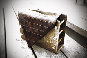 Egen väska. Väskan som Semra har designat helt själv som hon hade med sig på årets CHIC gala. Märket heter fromheadtotoe.