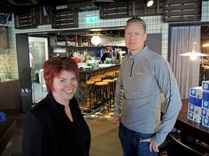 Hotelldirektör Anna Thurin och restaurangchef Pertti Männikkö är redo. På fredag öppnas dörren till den nya krogen i Borlänge centrum.