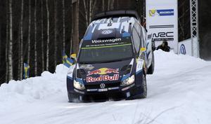 Andreas Mikkelsen hade segerläge inför sista sträckan men när han körde av försvann möjligheterna. Han fick nöja sig med att bli trea.