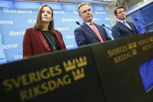 Vem leder FP 2018? Birgitta Ohlsson (vänster i bild) lanseras att efterträda partiledare Jan Björklund (mitten), som inte vill avgå ännu på länge. Hans favorit för framtiden tros vara Erik Ullenhag (höger).