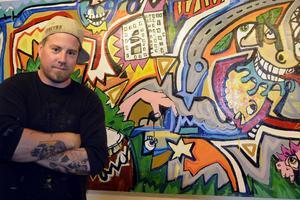 Jimmy Herciuk lämnar Sundsvall. I dag, fredag, håller han sitt sista vernissage till en jätteutställning.