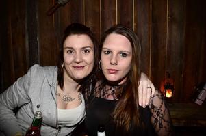 Sandra Engin och Michaela Söderlund.