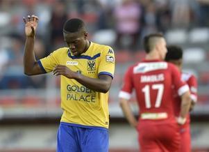 Yannis Mbombo Lokwa kommer närmast från Sochaux, där han varit på lån från Standard Liege.