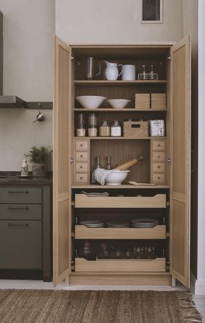 Trä blir ett allt vanligare inslag i dagens kök.