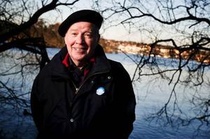 """Gunnar Zettersten är mycket tveksam till att man tar betalt för att åka skidor i guds fria natur. """"Det krävs ett beslut annars gäller allemansrätten"""", menar han.  Foto: Robert Henriksson"""