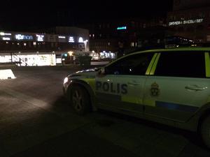 Utredningen fortsätter mot den busschaufför som är misstänkt för att ha misshandlat en 2-åring på Östersunds busstation, men det är ännu oklart när ett åtal kan väckas.