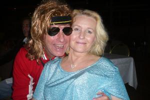 Thomas Möller, ålder hemlig och Anne Antonen, 49 år, Gävle.Vilken är er bästa låt/artistfrån 80-talet?– Alla låtar med Prince.