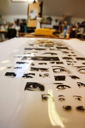 Ögonpar i massor har Odd Larsson hämtat ur gamla tidningar från 60-talet.
