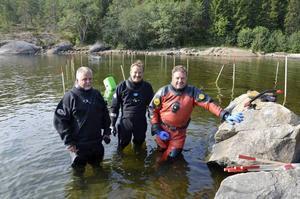 Marinarkeologerna Anders Vikdahl, Bo Ulfhielm och Lennarth Högberg är lyriska över fyndet.