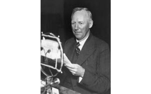 Ernst Wigforss (1881-1977) var en av den svenska socialdemokratins förgrundsgestalter. Wigforss förespråkade en aktiv sysselsättningspolitik för att bekämpa krisen på 30-talet. Foto: Bertil Norberg