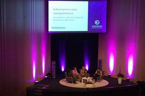 Ebba Witt Brattström, Lena Andersson, Åsa Moberg och Rakel Chukri synade kulturmannen i sömnarna i ett  välbesökt seminarium på Bokmässan.