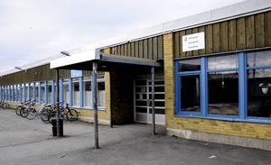 Vallaskolan är en av de byggnader som har brister i brandskyddet, enligt en inspektion som Östersunds kommun har gjort.